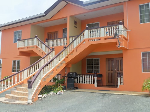 B's Guest House