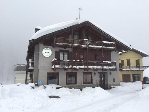 . Hotel Sciatori