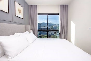 2 Bedrooms Sea View
