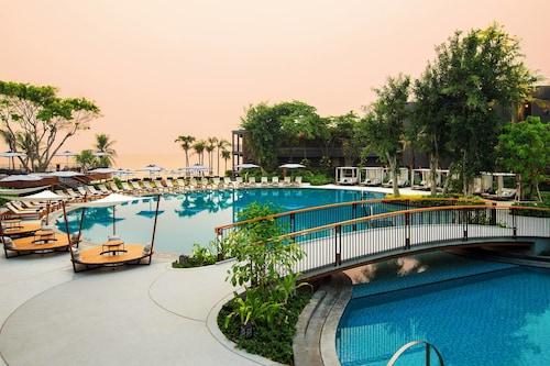 . Hua Hin Marriott Resort & Spa