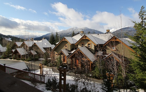 Signature Condos By Whistler Retreats, Squamish-Lillooet