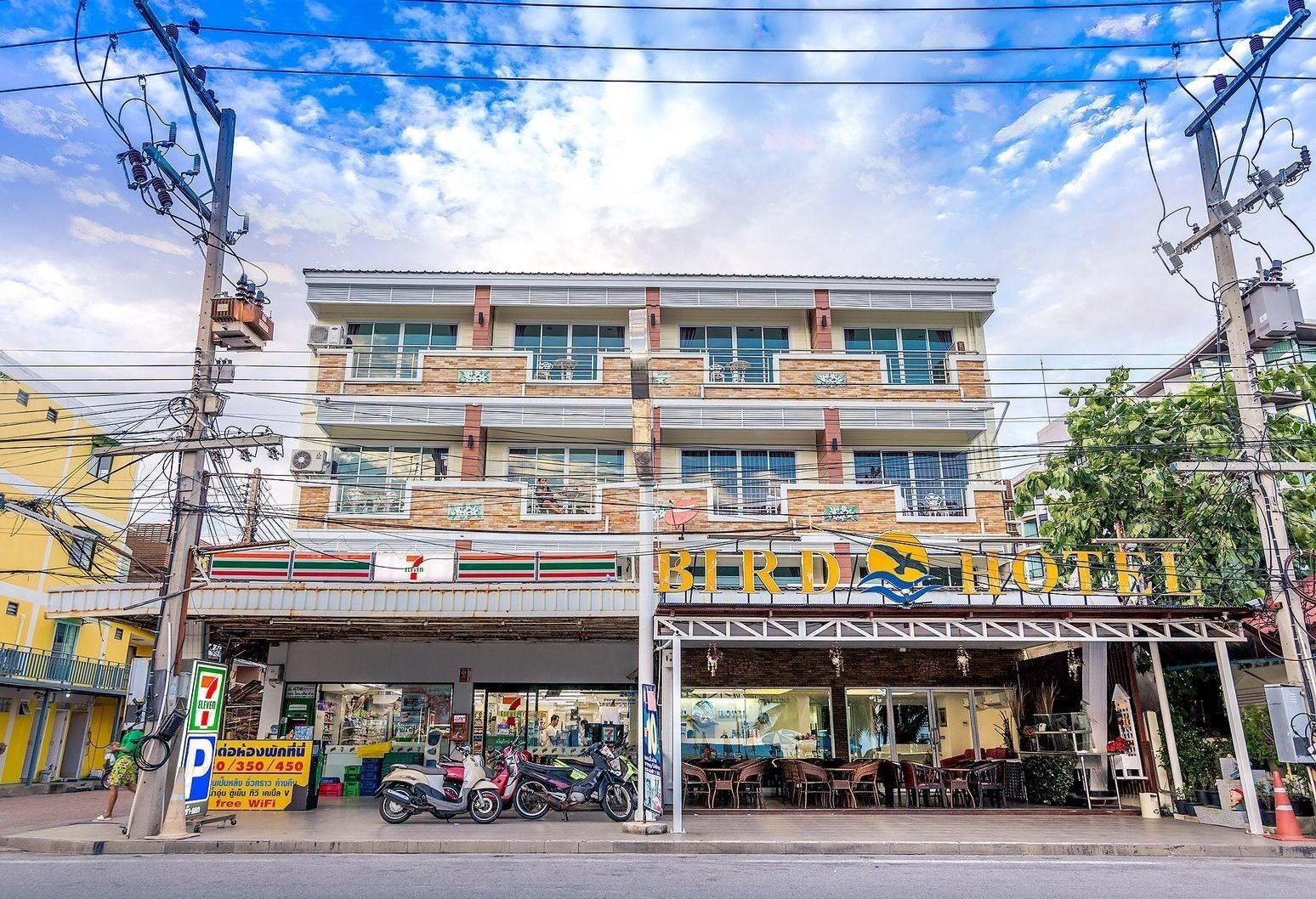 Bird Hotel, Pattaya