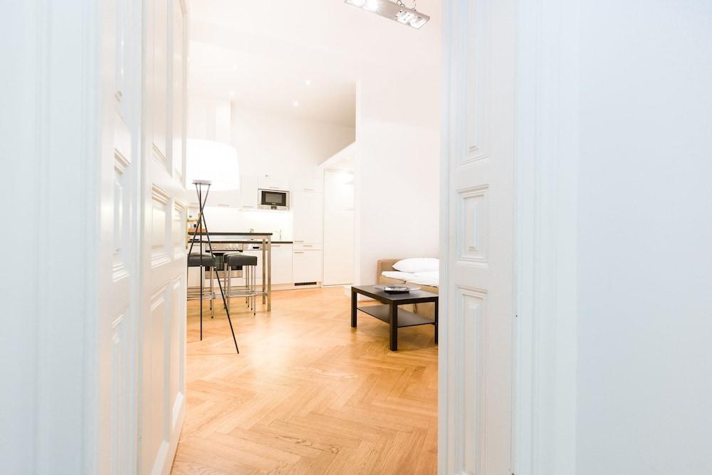 Vienna Prestige Apartments - Graben, by Welcome2Vienna