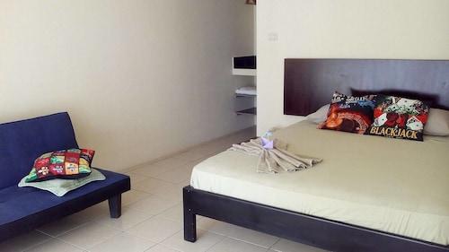 Boca Beach Resort Club, Rocafuerte