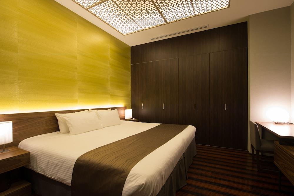 https://i.travelapi.com/hotels/14000000/13440000/13436000/13435910/3d4fe7da_z.jpg