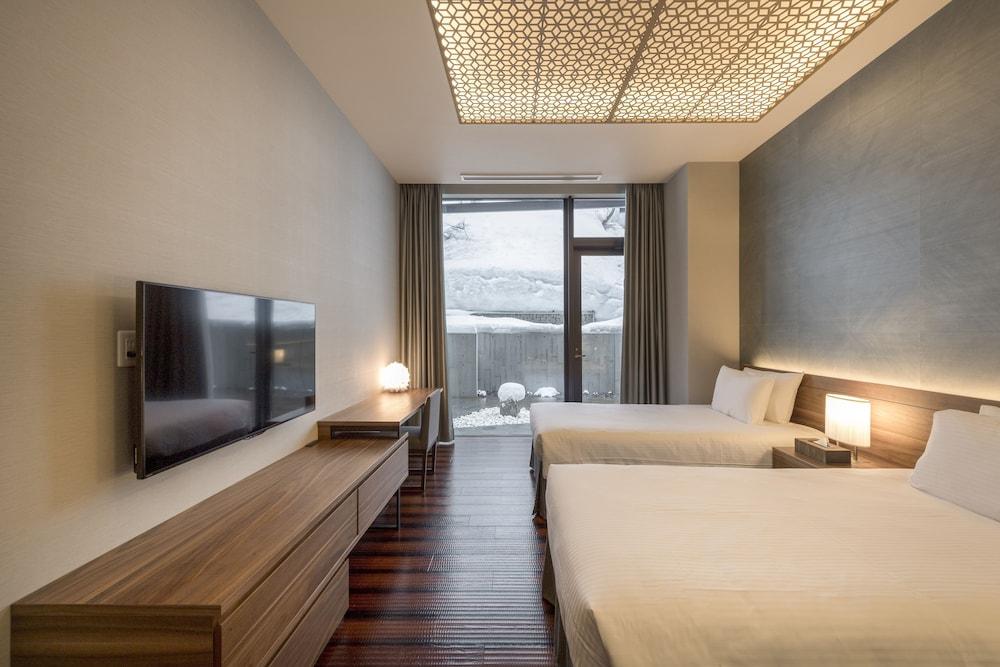 https://i.travelapi.com/hotels/14000000/13440000/13436000/13435910/61d3be9c_z.jpg