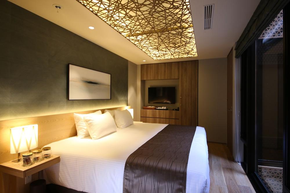 https://i.travelapi.com/hotels/14000000/13440000/13436000/13435910/79f98216_z.jpg