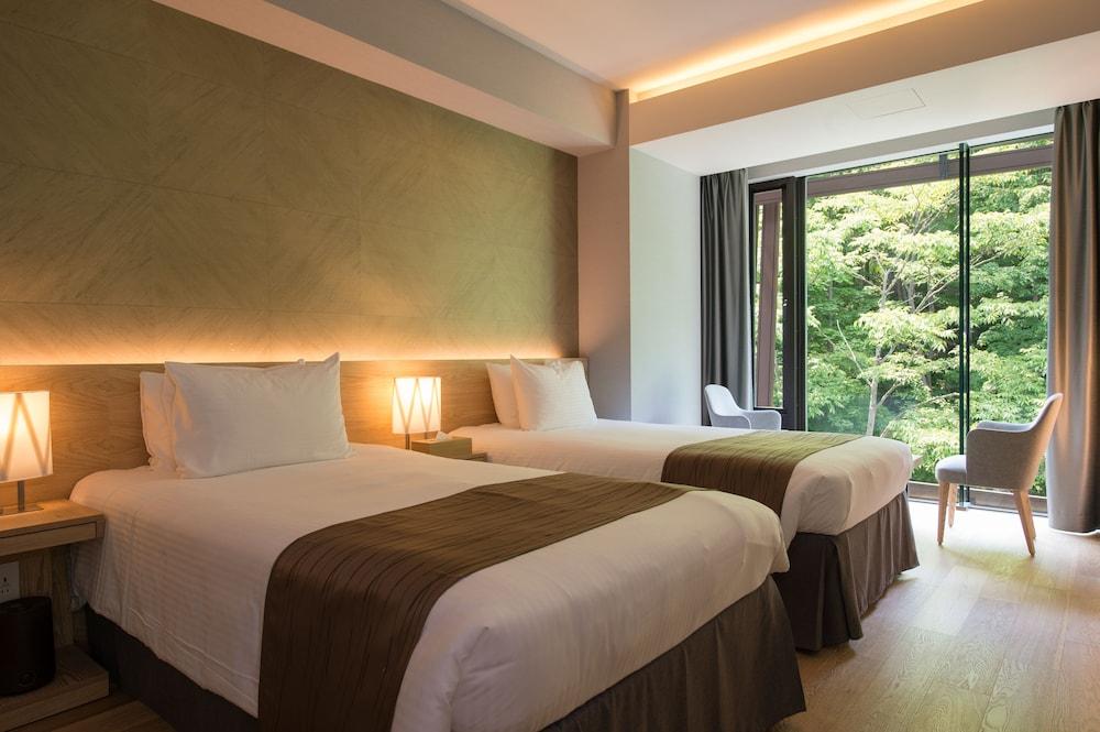 https://i.travelapi.com/hotels/14000000/13440000/13436000/13435910/8bdcd8e3_z.jpg