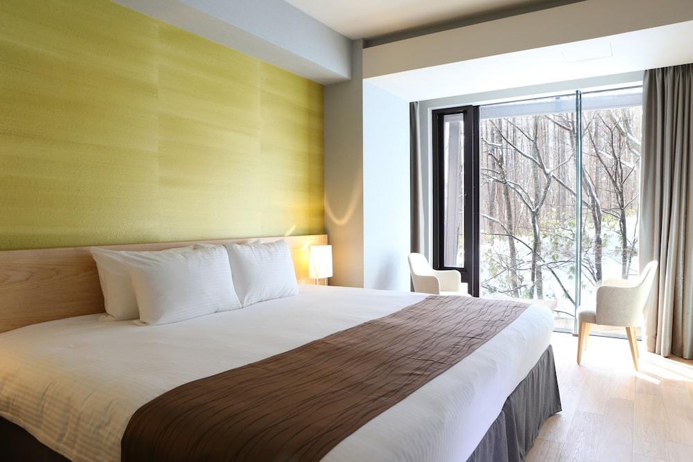 https://i.travelapi.com/hotels/14000000/13440000/13436000/13435910/b7c6b01c_z.jpg