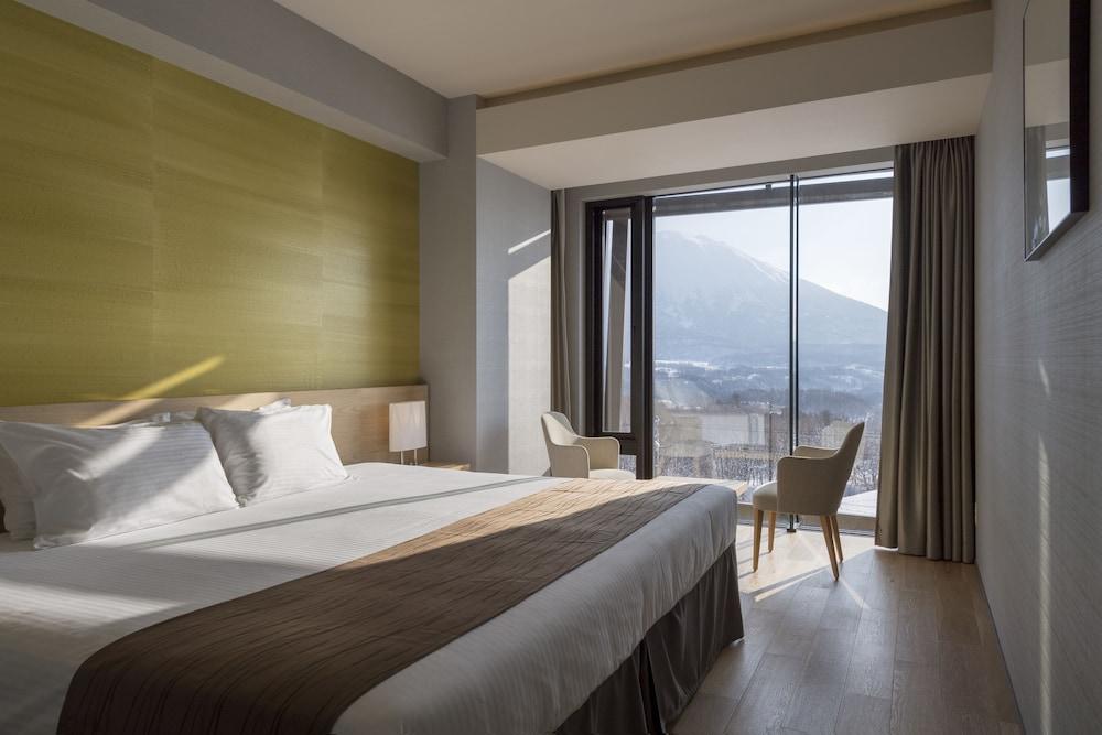https://i.travelapi.com/hotels/14000000/13440000/13436000/13435910/c803ac90_z.jpg