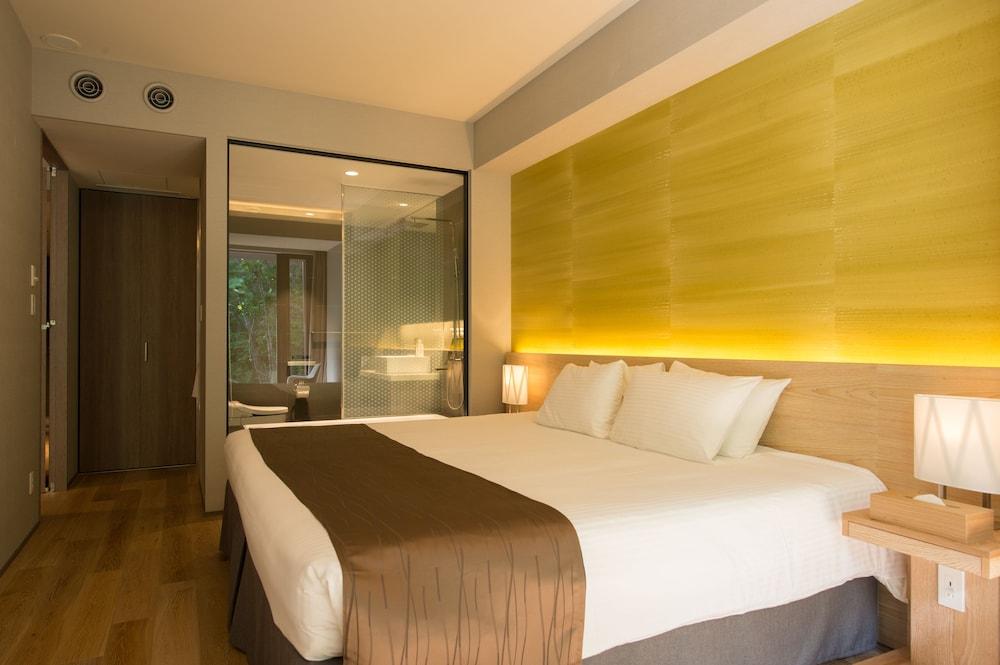 https://i.travelapi.com/hotels/14000000/13440000/13436000/13435910/cf30b44b_z.jpg