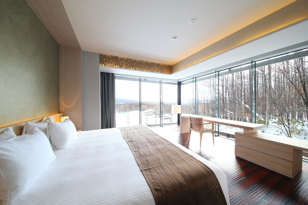 https://i.travelapi.com/hotels/14000000/13440000/13436000/13435910/d36d6a75_z.jpg