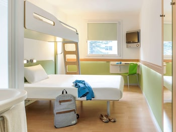 Room, Multiple Beds