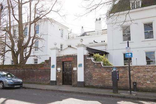 Via Lewisham - Hostel, London