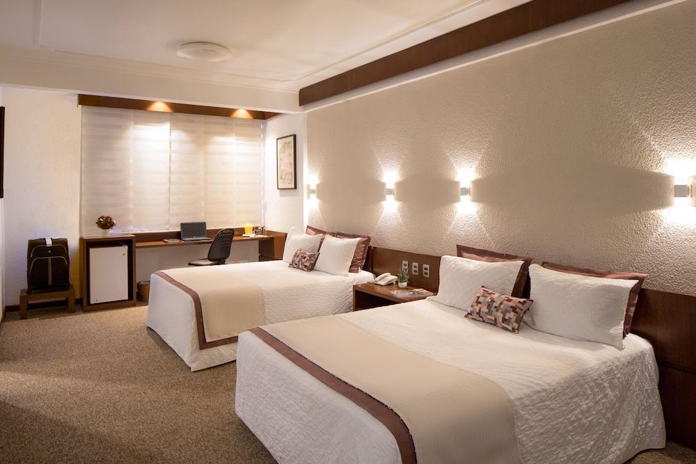 https://i.travelapi.com/hotels/14000000/13460000/13455900/13455822/7fca04d8_z.jpg