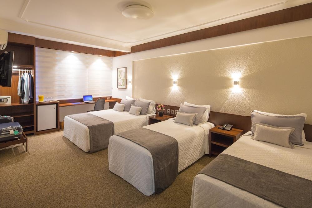 https://i.travelapi.com/hotels/14000000/13460000/13455900/13455822/c1b21a25_z.jpg
