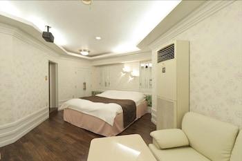 HOTEL FINE GARDEN OKAYAMA 1 - ADULTS ONLY Living Area