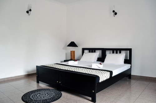 Olu Colombo Villa, Thimbirigasyaya