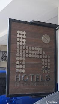 H HOTELS - METRO NORTH UNO Exterior detail