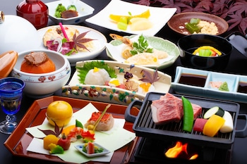 YU-KEI NO YADO HEIJO Food and Drink