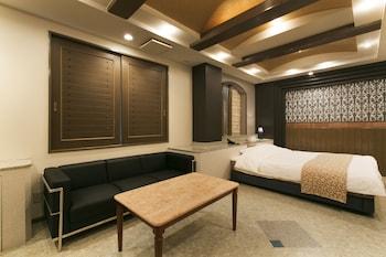 ジュニアスイートルーム|40㎡|ホテル アトランティス 豊中店 - アダルト オンリー