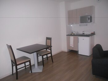 ZENAO Appart'hotel Moulins-Yzeure - In-Room Kitchenette  - #0