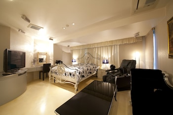 V HOTEL -ADULTS ONLY Room