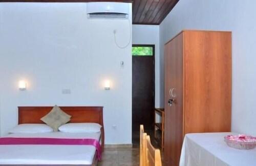 Green Shadows Beach Hotel, Kalutara