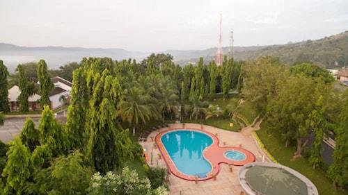 . Volta Hotel Akosombo