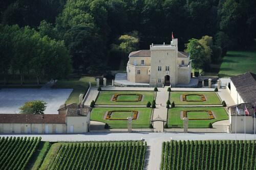 . Château La Tour Carnet - B.Magrez Luxury Wine Experience