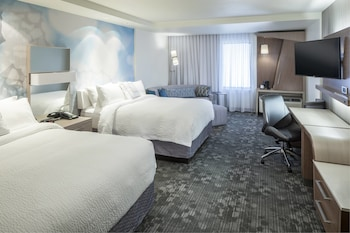 Guestroom at Courtyard by Marriott Fort Worth at Alliance Town Center in Fort Worth