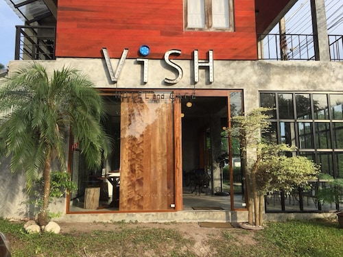Vish Hotel and Cafe, Khanom