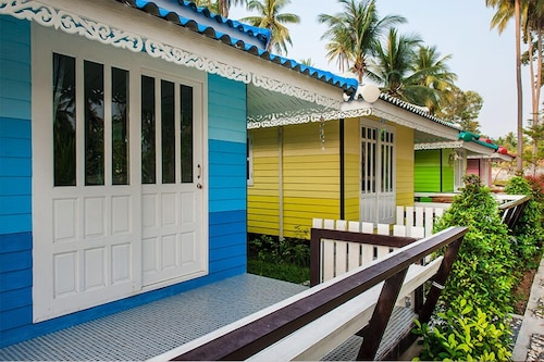 Chonnapha Resort, Khanom