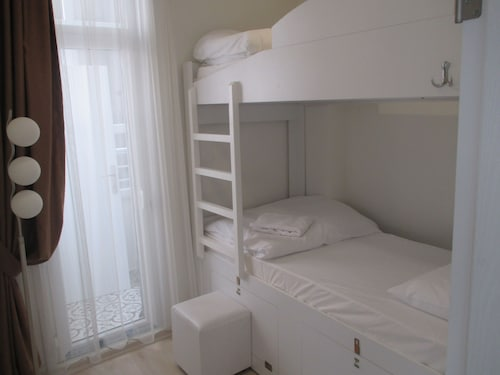 Old Mile Suites, Fatih