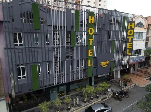 . Smile Hotel Wangsa Maju