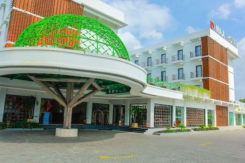 . D'MAX Hotel & Convention Lombok