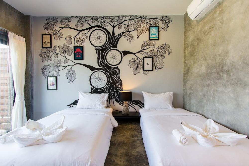 The Bike Loft Family Hostel, Hua Hin