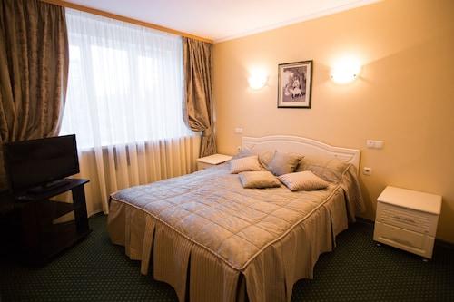 . Zvezda Zhiguley Hotel