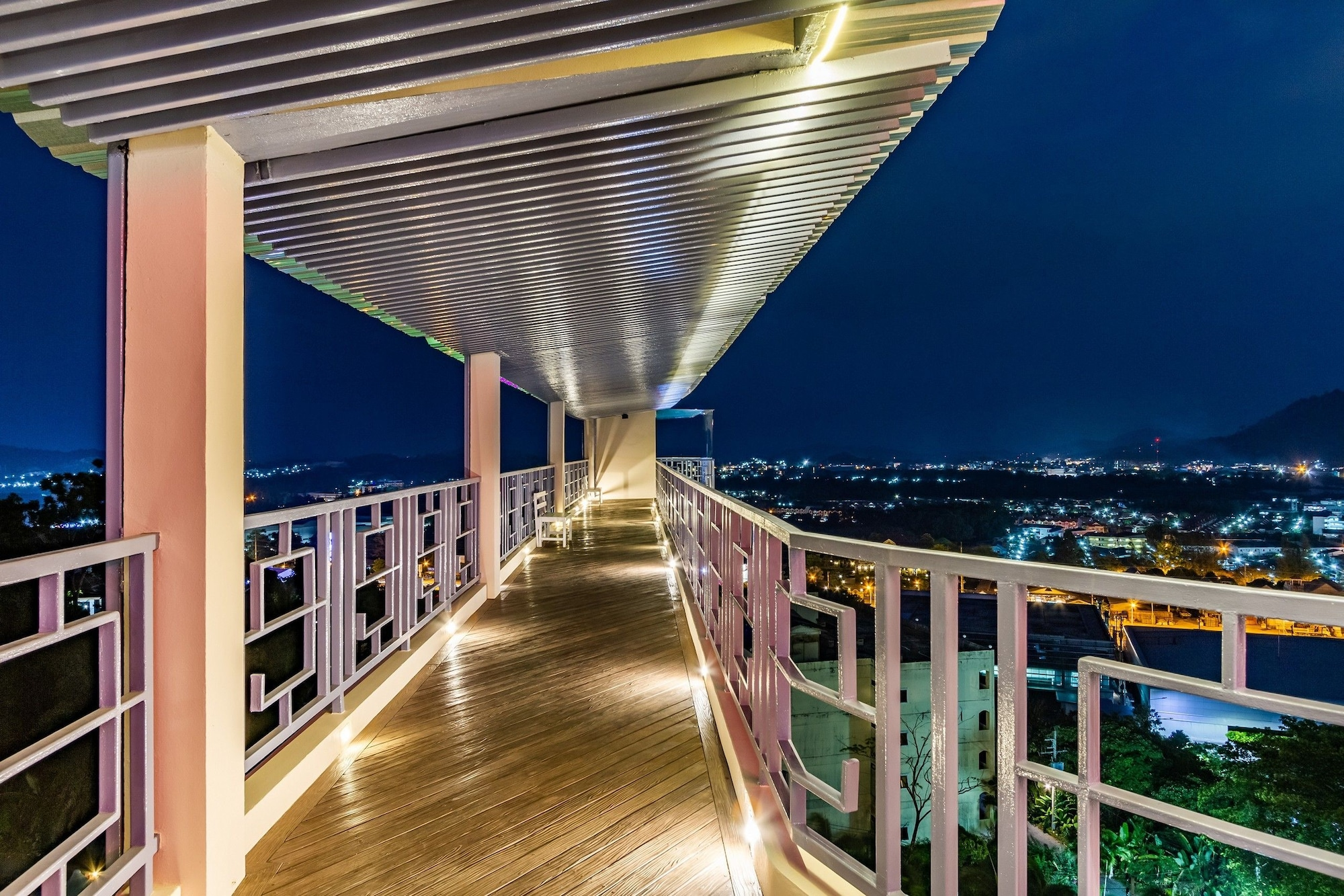 Hilltop Hotel by the Lantern Group, Pulau Phuket