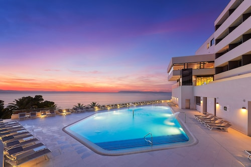 . Medora Auri Family Beach Hotel