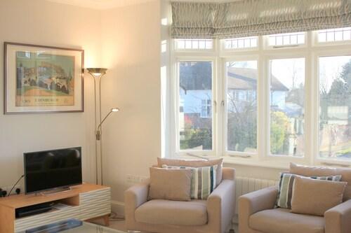 The Luxurious Duplex (Peymans), Cambridgeshire