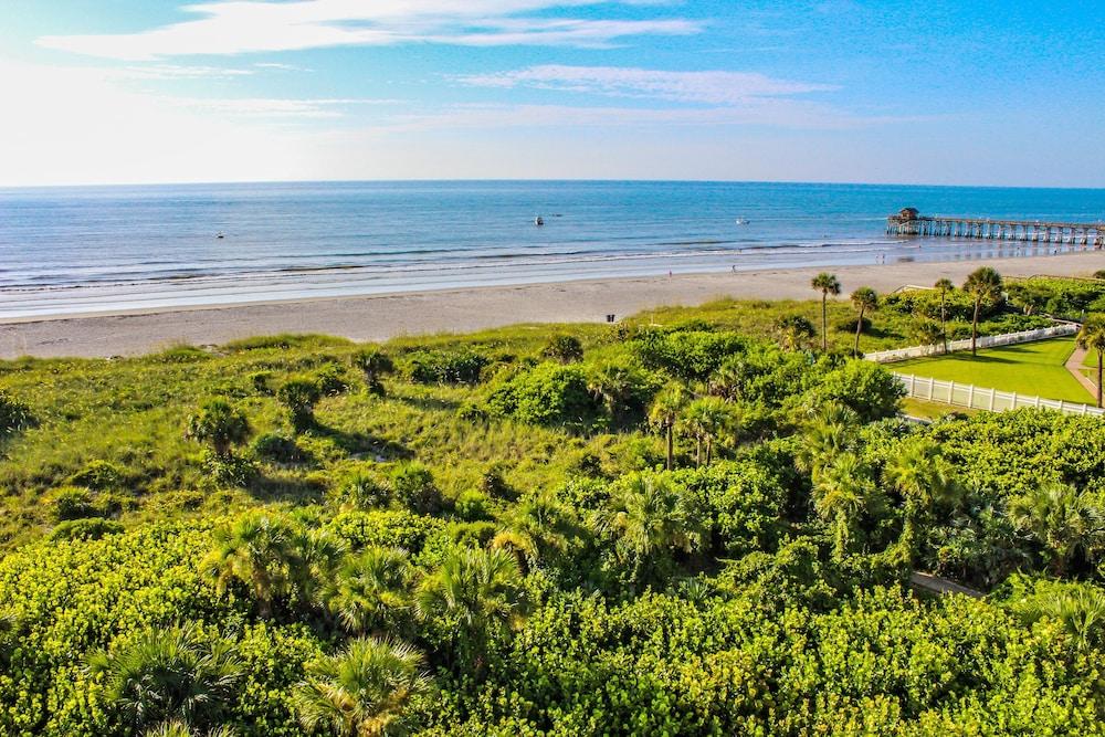 Discovery Beach Resort, a VRI resort