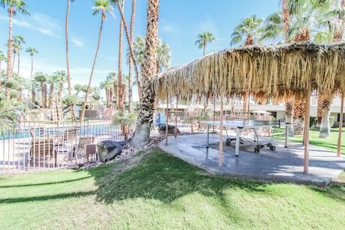 Desert Isle Resort, a VRI resort, Riverside