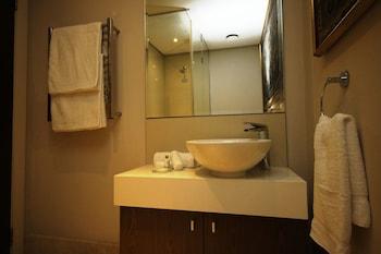 702 Canal Quays - Bathroom Sink  - #0