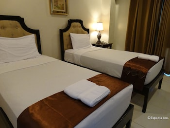 THE PERIDOT SUITES Room