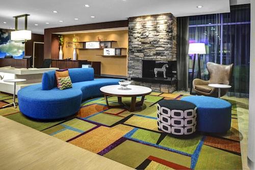 . Fairfield Inn & Suites by Marriott Douglas