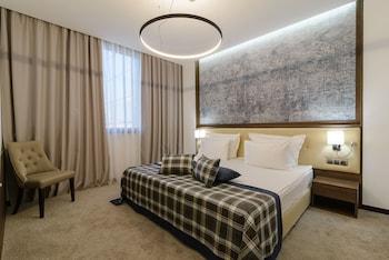 Junior Suite, 1 Queen Bed with Sofa bed, Balcony