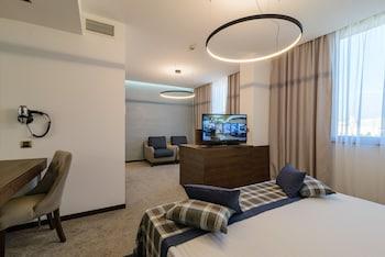 Junior Suite, Side Sea View