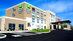 Holiday Inn Express & Suites Oswego, an IHG Hotel