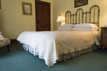 Room, 1 Queen Bed, Private Bathroom (The English Breakfast - Room 9)